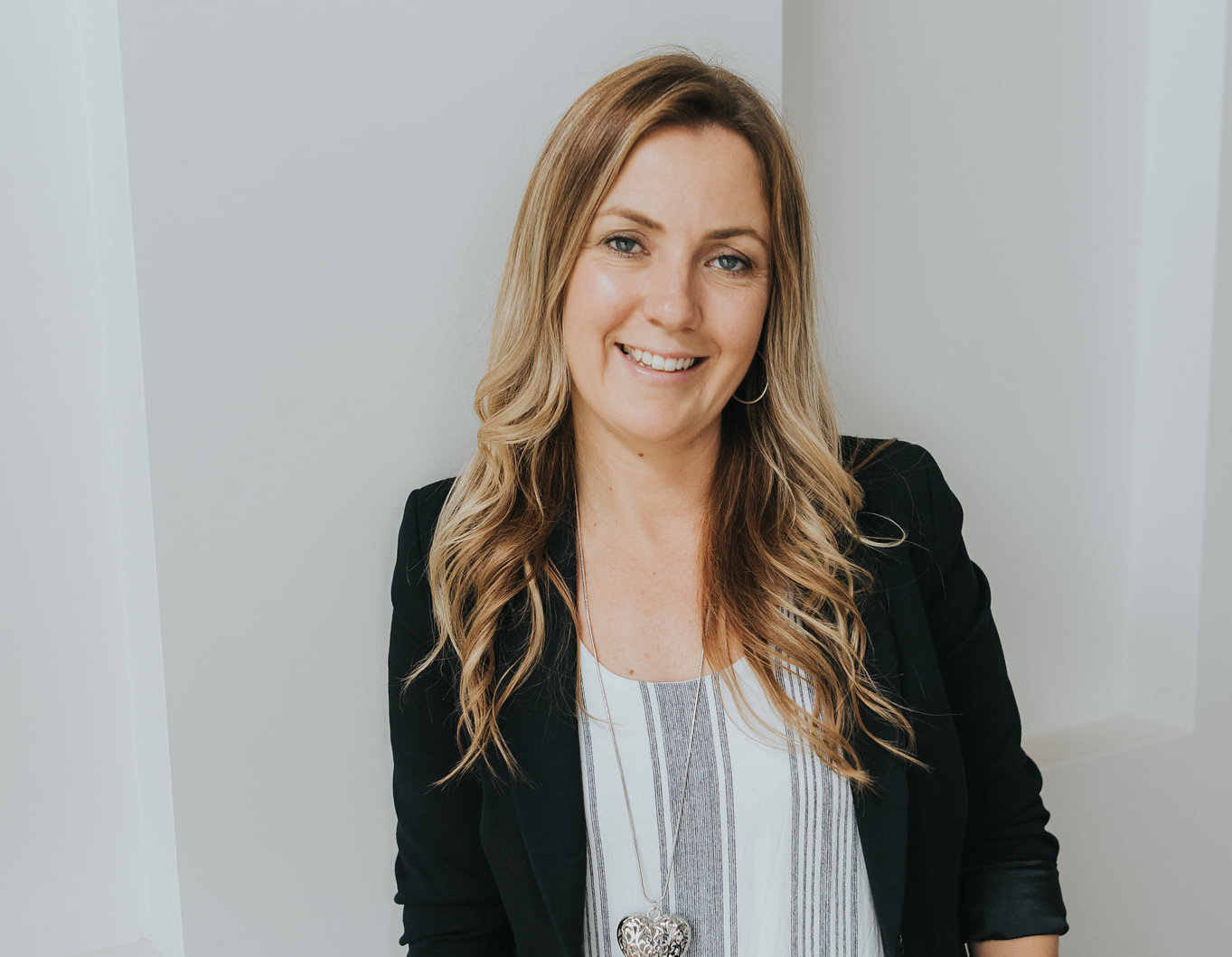 Miranda Packer is a small and local business copywriter who can help you by writing copy that makes you memorable, incomparable and spark customers into action